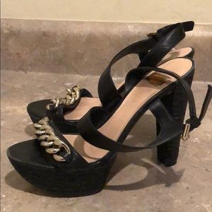 Guess by Marciano Chain Platforms